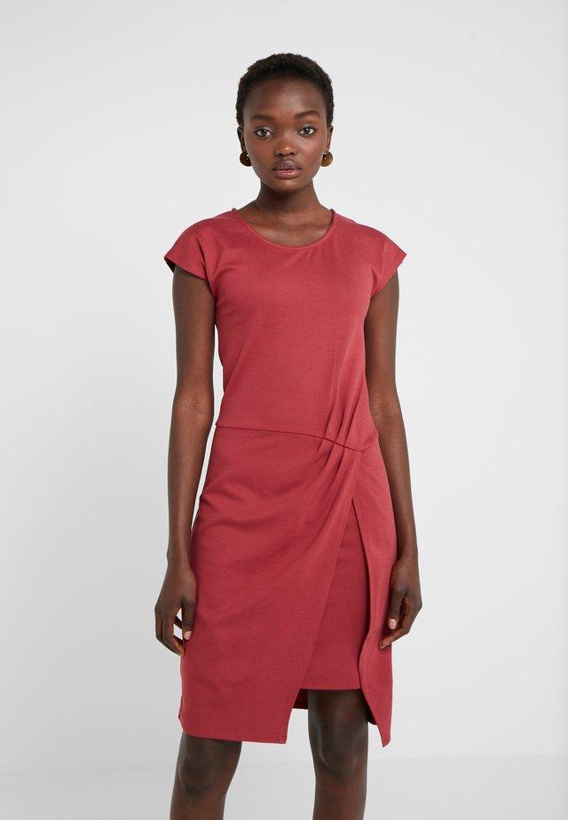 THAILA HELENA DRESS - Trikoomekko - brown bordeaux