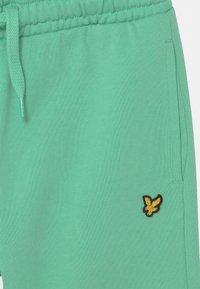 Lyle & Scott - CLASSIC  - Shorts - neptune green - 2