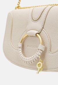 See by Chloé - Hana Evenning bag - Torba na ramię - cement beige - 4