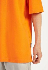 Bershka - Basic T-shirt - orange - 3