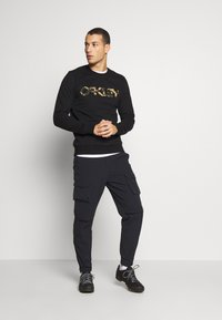 Oakley - CREW - Sweatshirt - black - 1