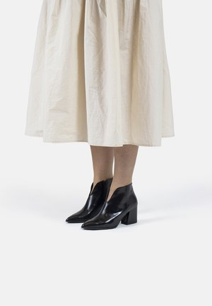 VETA - Ankle boots - black