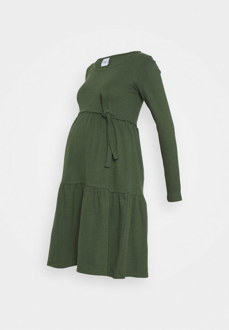 MAMALICIOUS - MLKAMINA DRESS - Žerzejové šaty - duffel bag