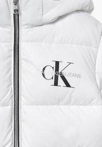 Calvin Klein Jeans - ESSENTIAL PUFFER  - Winter jacket - white - 4