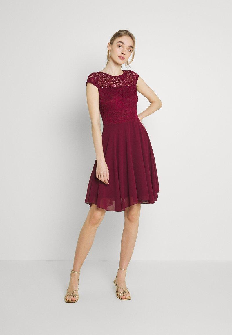 WAL G. - PEYTON SKATER DRESS - Cocktail dress / Party dress - burgundy