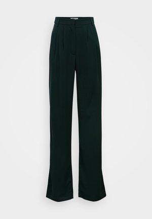 PLEATED WIDE LEG TROUSERS - Trousers - deep green