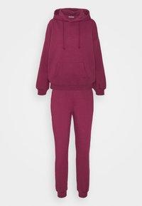 Anna Field - Hooded lounge set - Pyjama set - berry - 4