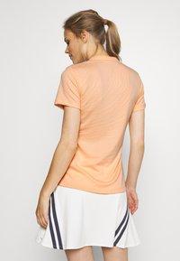 Nike Golf - BREATH FAREWAY - Triko spotiskem - sunset haze/orange trance - 2