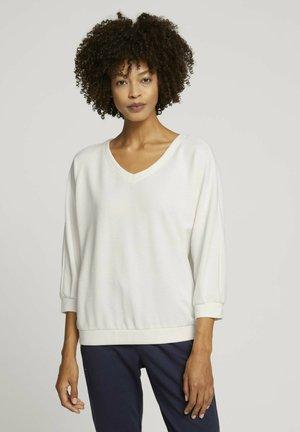 LOOSE MIT STRUKTUR - Long sleeved top - white