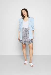 Second Female - CLOUDS SHORT SKIRT - Mini skirt - faded denim - 1