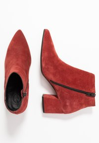 Bianco - BIACALAIS TILT BOOT - Ankle boot - winered - 3