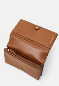 MICHAEL Michael Kors - PHONE XBODY - Across body bag - brown/acorn - 2