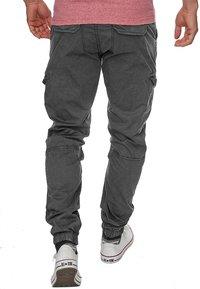 INDICODE JEANS - LEVI - Cargo trousers - raven - 2