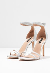 ONLY SHOES - ONLAILA WRAP - Sandali con tacco - silver - 4