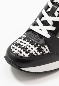 MICHAEL Michael Kors - GEORGIE TRAINER - Baskets basses - black/silver - 2