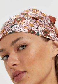 Stradivarius - DOPPELPACK MIT STREIFEN UND BLUMEN - Headscarf - brown - 1
