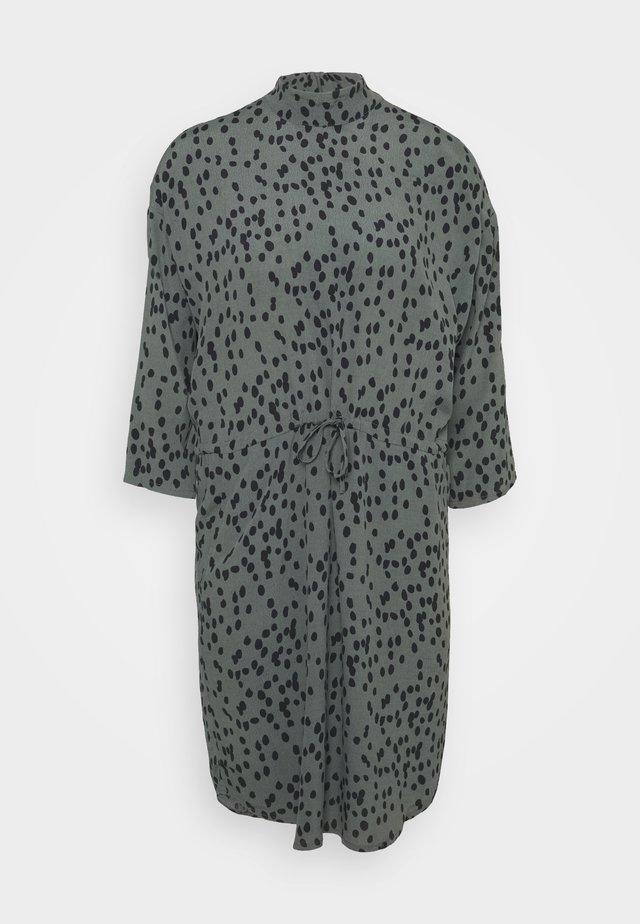 MASH - Korte jurk - daria print