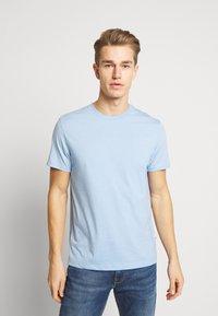 Burton Menswear London - 5 PACK - T-shirt - bas - white - 4