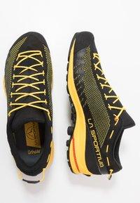 La Sportiva - TX2 - Lezecká obuv - black/yellow - 1