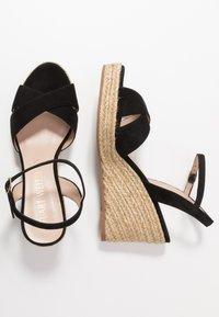 Stuart Weitzman - ROSEMARIE - Korolliset sandaalit - black - 3