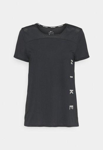 RUN MILER  - T-shirt imprimé - black/particle grey/silver