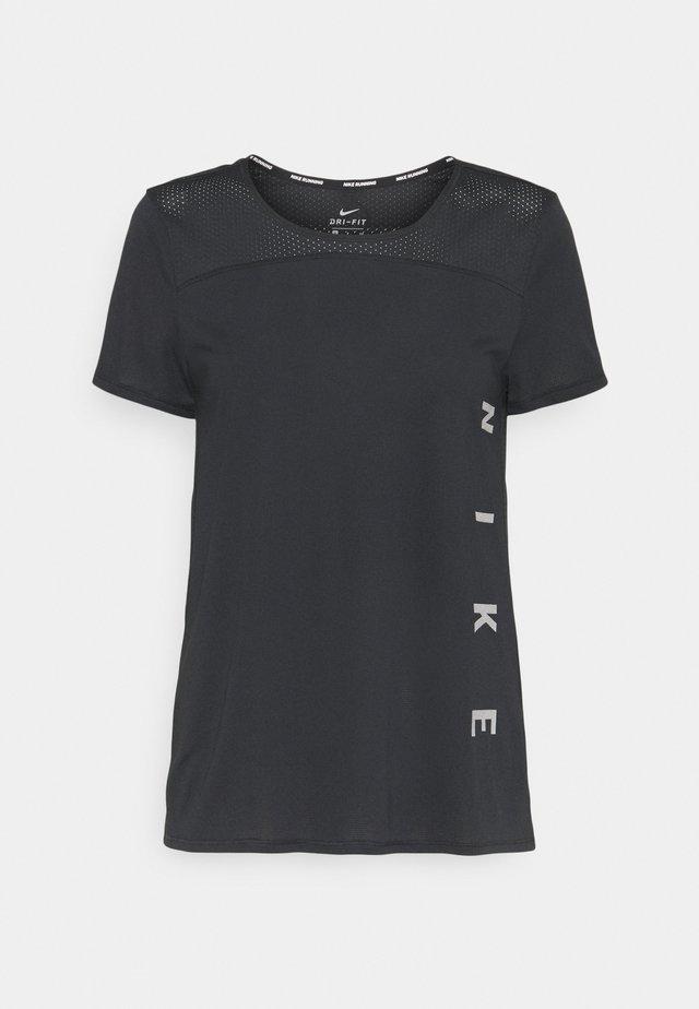 RUN MILER  - T-shirt z nadrukiem - black/particle grey/silver