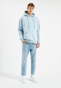 PULL&BEAR - Džíny Straight Fit - stone blue denim - 1