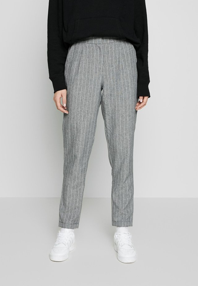 PCNILAN ELI ANKLE PANTS - Trousers - medium grey melange