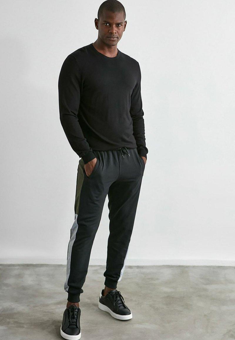Trendyol - Pantalons outdoor - black