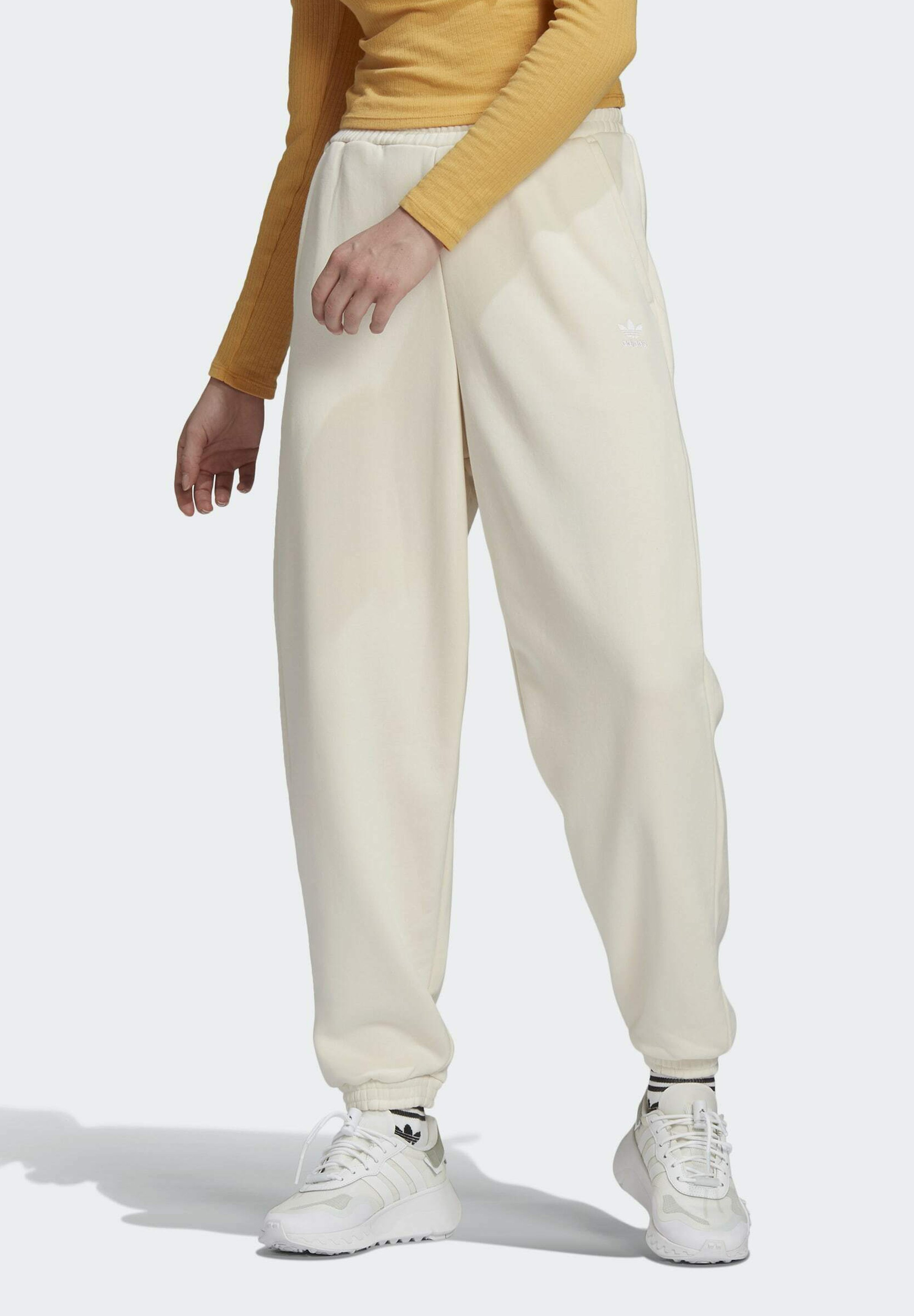 Women ADICOLOR CLASSICS NO-DYE RELAXED JOGGERS - Tracksuit bottoms