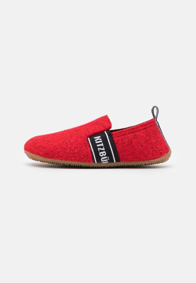 T-MODELL UNISEX - Pantoffels - rot