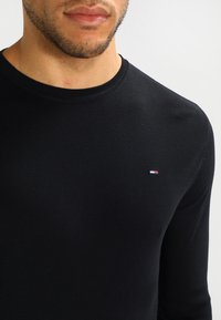 Tommy Jeans - ORIGINAL SLIM FIT - Long sleeved top - black - 3