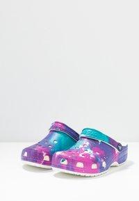 Crocs - Sandalias planas - white/purple - 4