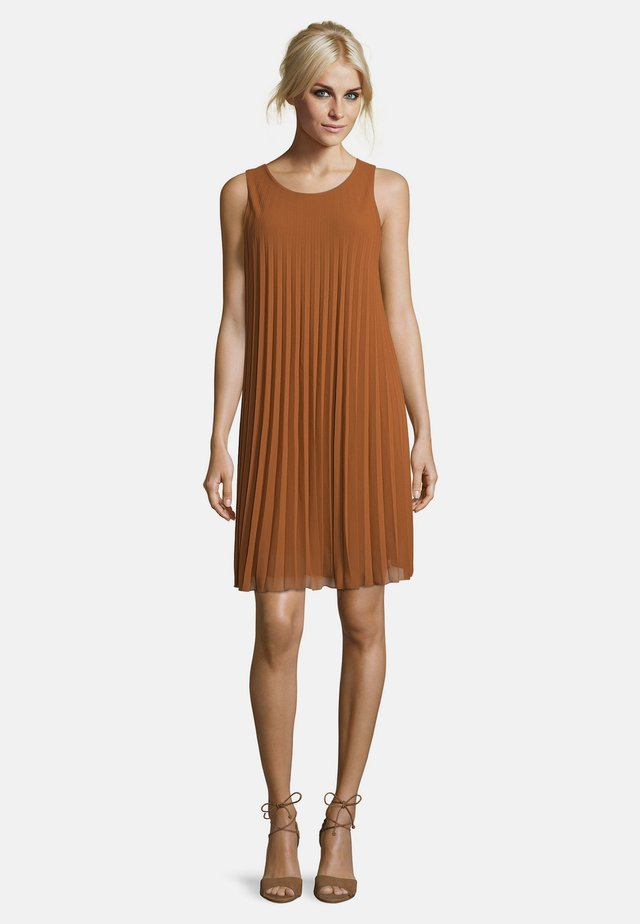 Day dress - rawhide