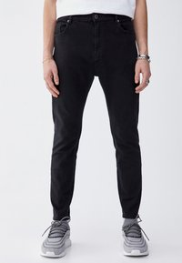 PULL&BEAR - Džíny Slim Fit - black - 0