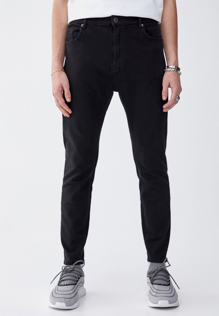 PULL&BEAR - Džíny Slim Fit - black