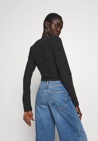 Missguided Tall - BRUSHED LONG SLEEVE WRAP TOP - Topper langermet - black - 2