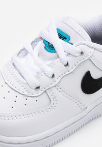 Nike Sportswear - FORCE 1 - Sneakers basse - white/blue fury - 5