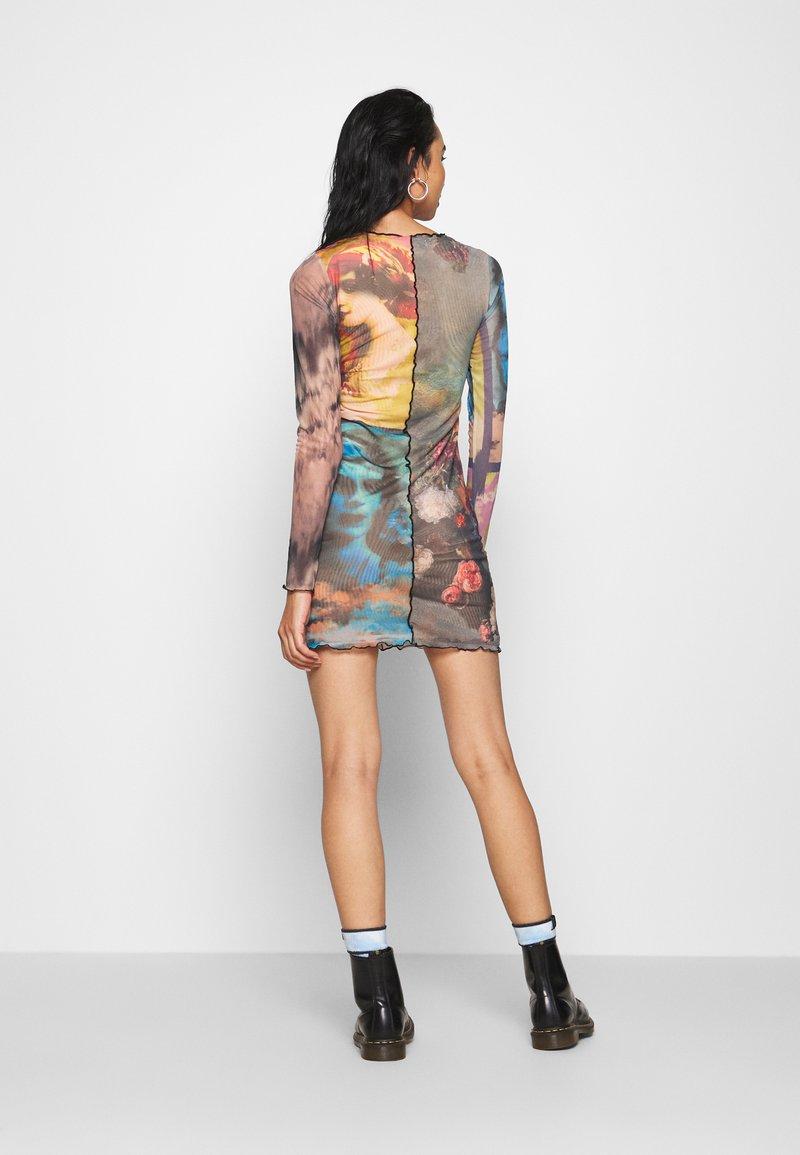 Jaded London PANELLED DRESS WITH BABYLOCK SEAMS MASH UP VINTAGE PRINTS - Freizeitkleid - multi-coloured/mehrfarbig DAGXOT