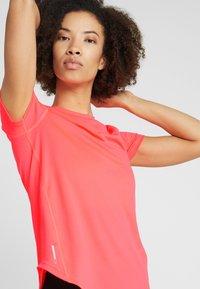 Puma - IGNITE TEE - T-shirt con stampa - pink alert - 3