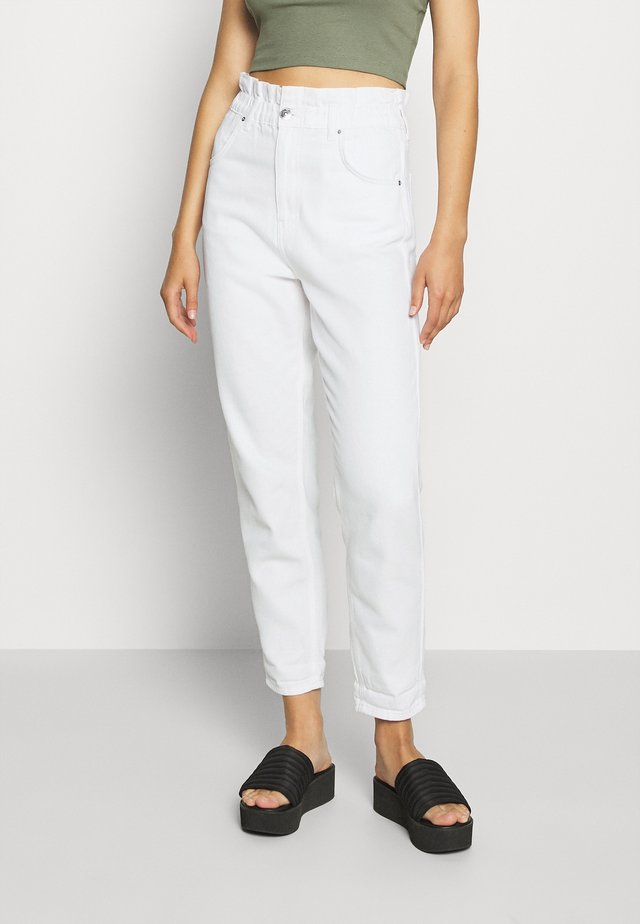 PAPERBAG MOM - Relaxed fit -farkut - raw white