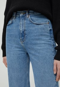 PULL&BEAR - HIGH WAIST - Straight leg -farkut - blue - 3