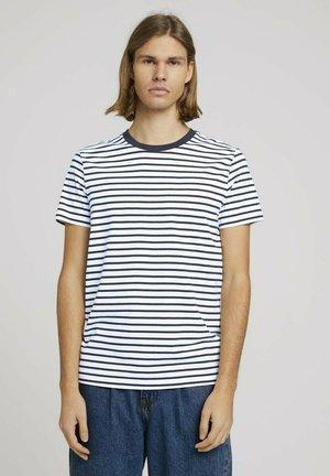 T-shirt print - navy white thin stripe