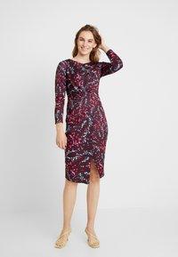 Closet - DRAPED FRONT WRAP DRESS - Shift dress - maroon - 2
