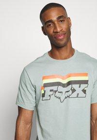 Fox Racing - FAR OUT TEE - T-Shirt print - eucalyptus - 4