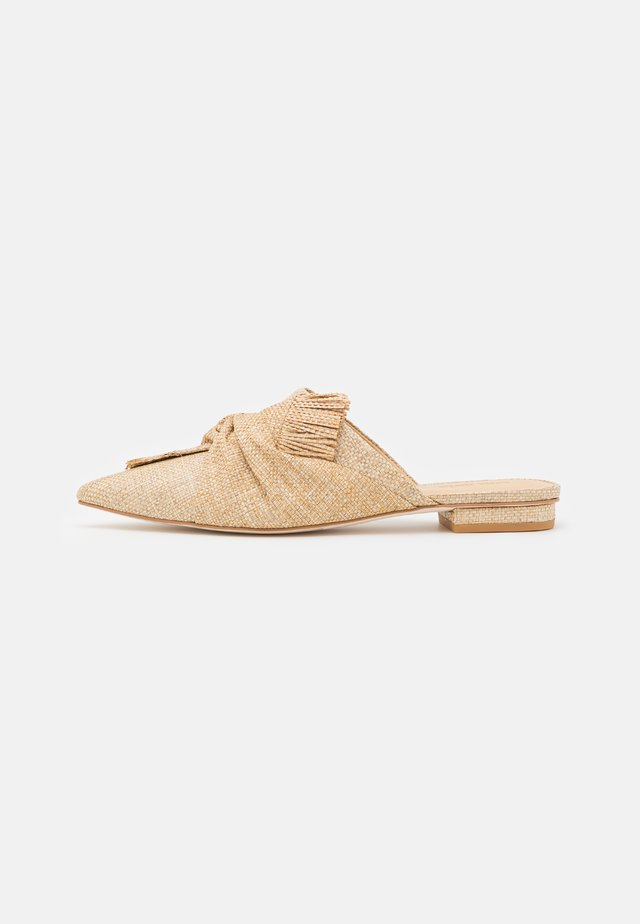 ANGIE FLAT - Mules - natural