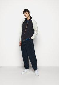 Paul Smith - GENTS ZIP CASUAL JACKET - Summer jacket - black/beige - 1