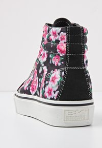 British Knights - MACK MID - Baskets montantes - black/pink flower - 4