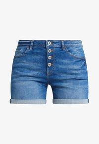 edc by Esprit - OCS MR - Denim shorts - blue medium wash - 4