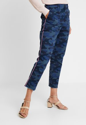 GIRLFRIEND FRAY HEM - Bukse - blue